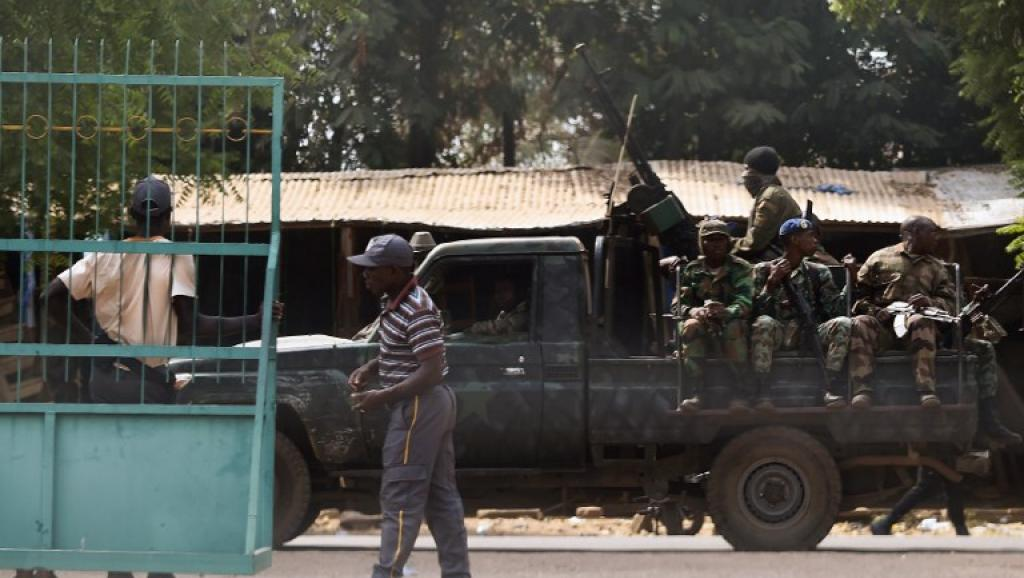 Côte d'Ivoire, Mutineries : six journalistes arrêtés pour