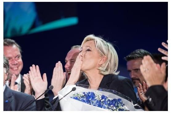Jean-Marie Le Pen rend hommage au candidat de La France insoumise