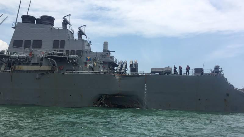 Dix marins américains manquent à l'appel après une collision près de Singapour