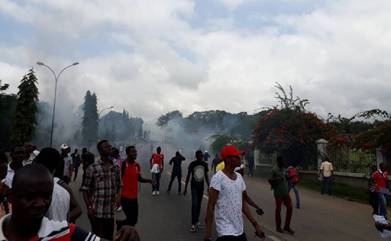 Une nouvelle manifestation d'étudiants ''étouffée'' par la police à Abidjan — Côte d'Ivoire