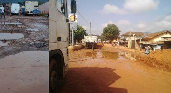 Côte-d'Ivoire Man: Dans l'enfer des rues, aucune nouvelle des 10 km de bitume promis par Ouattara en 2012