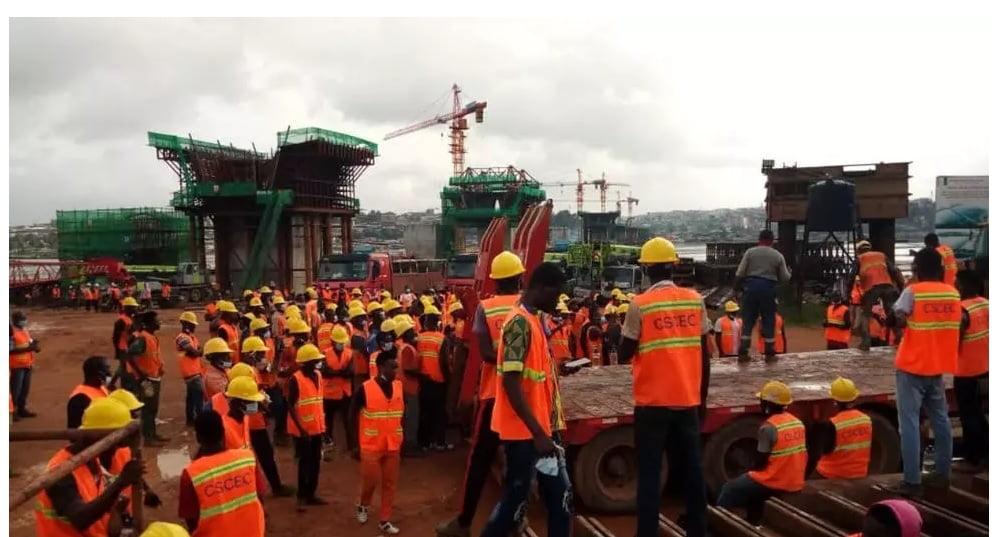 4e pont d'Abidjan Côte-d'Ivoire: Des ouvriers sous-payés ? Entre coups d´ arrêt et reprises des travaux - Connectionivoirienne.net